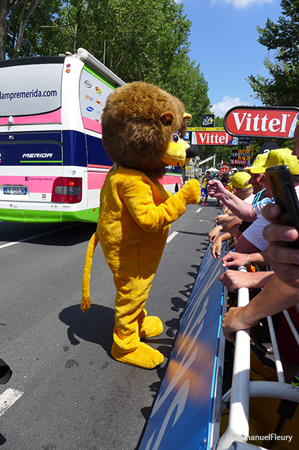 Tour de France 2015 - T Check de la mascotte LCL
